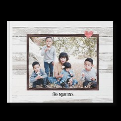 Everyday Rustic custom photo book style with a picture of a mom and four kids on the cover